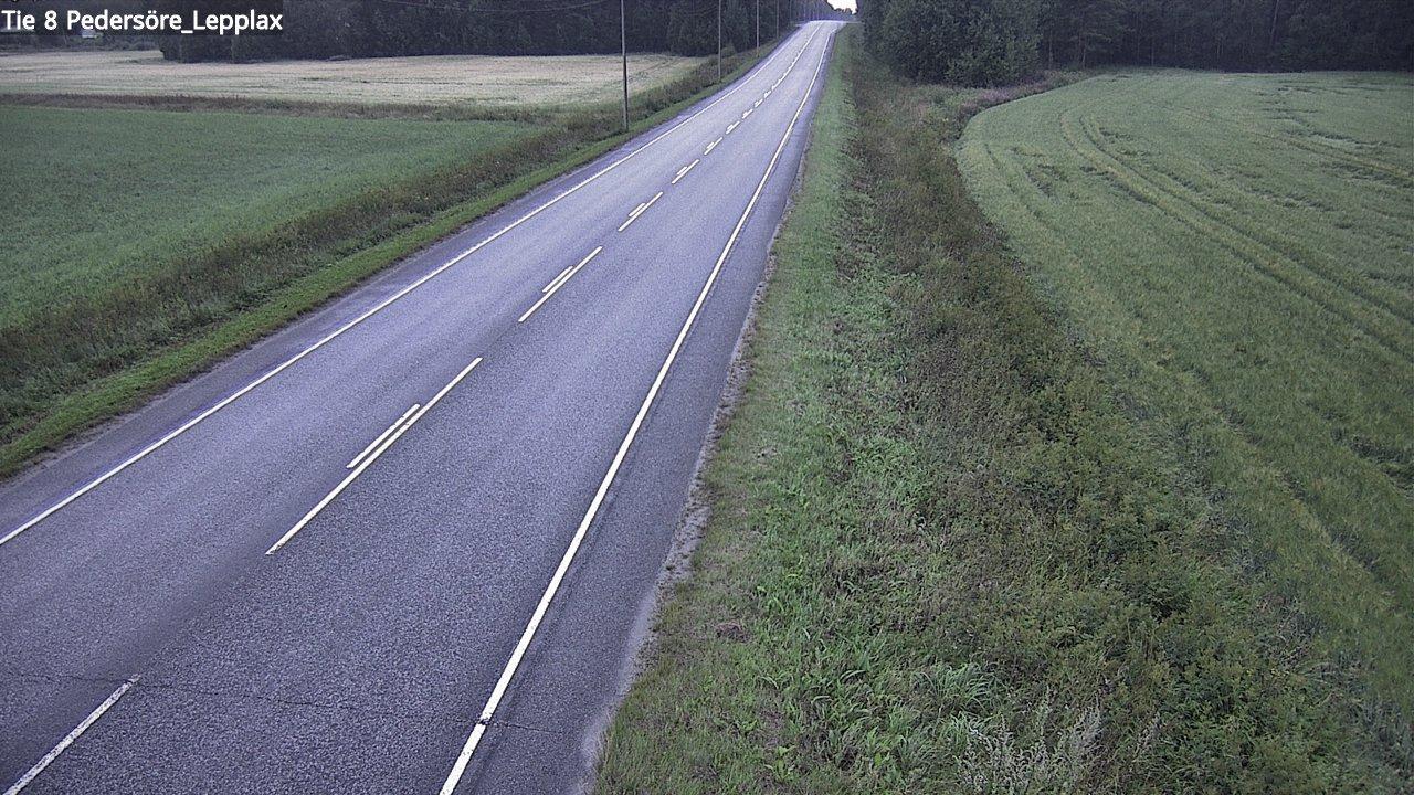 Webkamera Pedersören kunta: Tie 8 Kruunupyy. Leppax − Ouluun