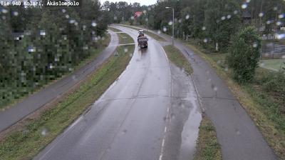 Daylight webcam view from Kolari: Tie 940 Äkäslompolo − Kolariin (etelään)