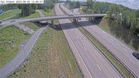 Staket: Tpl - Kameran är placerad på E Enköpingsvägen i höjd med trafikplats - och är riktad mot Stockholm - El día
