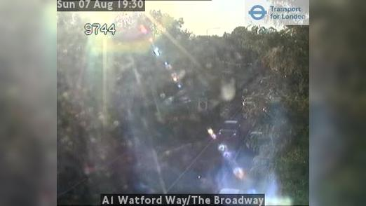 Webcam Barnet: A1 Watford Way/The Broadway