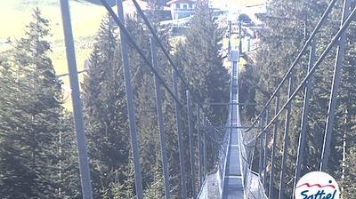Sattel: Bergstation Skywalk (von Osten)