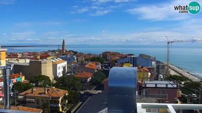 Vista de cámara web de luz diurna desde Caorle: Webcam Ponente west beach from Hotel Marco Polo