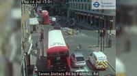 North Cheam: Seven Sisters Rd by Fonthill Rd - El día