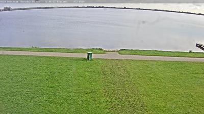 Daylight webcam view from Reeuwijk › East: Wind Surf Club Reeuwijk