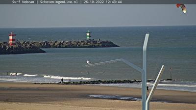 Daylight webcam view from Scheveningen: Scheveningenlive.nl