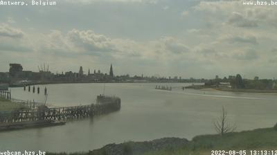 Daylight webcam view from Antwerp › North: Zicht op de schelde
