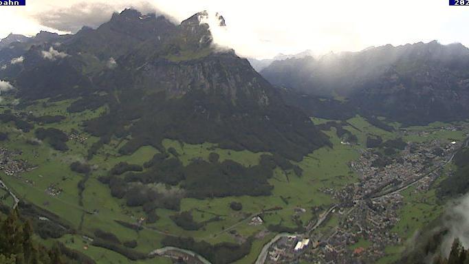 Webcam Ennenda: Blick von Bergstation Aeugstenbahn ins Gl