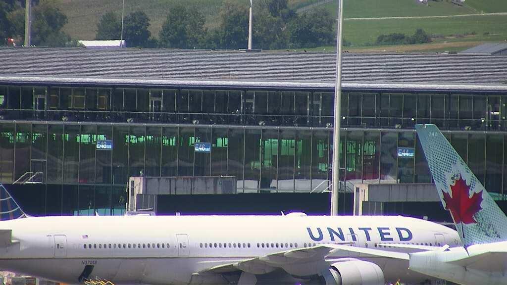 Webkamera Zurich Airport station: Airport station − Webcam O
