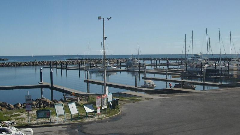 Webcam Gulf Point Marina: North Haven Boat Ramp Webcam
