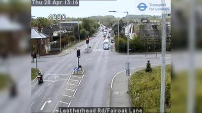 Vista de cámara web de luz diurna desde Sutton: Leatherhead Rd/Fairoak Lane