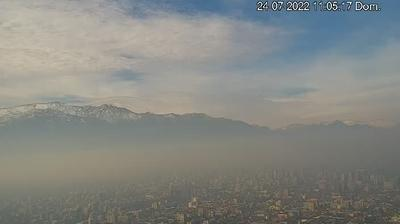 Daylight webcam view from Santiago: de − Metropolitana