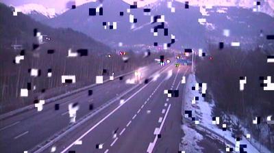Webcam Neydens: A40 at St. Julien en Genevois