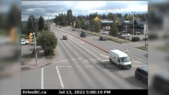 Webcam Smithers › South: Hwy 16 in − at Main Street, look