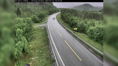 Vista de cámara web de luz diurna desde Ospfjorden: E Kvarv (Retning Fauske. moh)