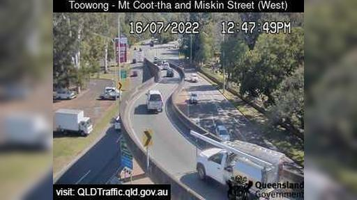 Webcam Normanby: Toowong − Mt Cootha and Miskin St (Looki