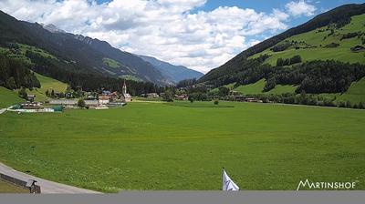 Vista de cámara web de luz diurna desde San Martino: Hotel Martinshof, St.Martin im Ahrntal, Südtirol (1006m)