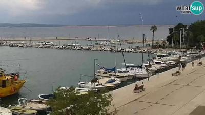 Vista de cámara web de luz diurna desde Crikvenica: main square