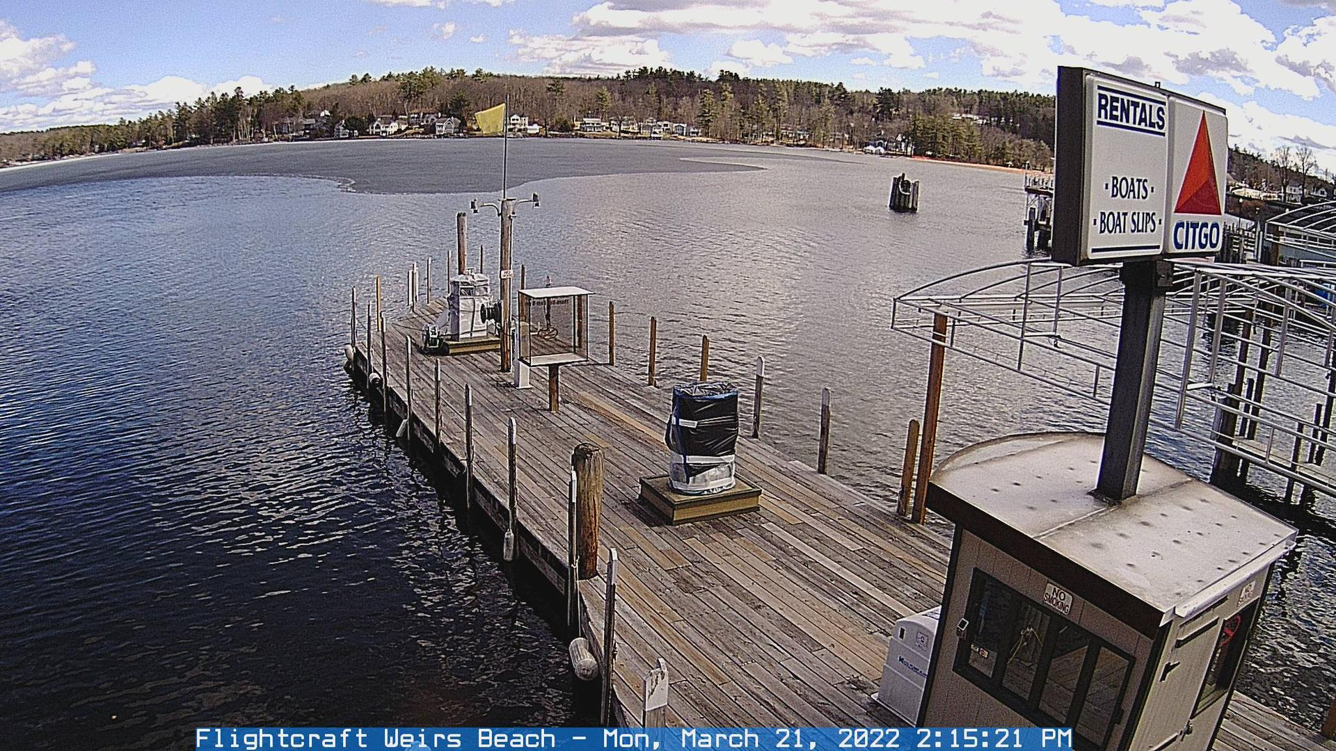 Webcam Winnipesaukee Pier › South-East: Weirs Beach