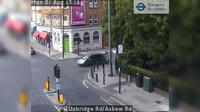 Acton: Uxbridge Rd/Askew Rd - Day time