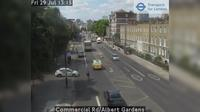 Little London: Commercial Rd/Albert Gardens - Overdag