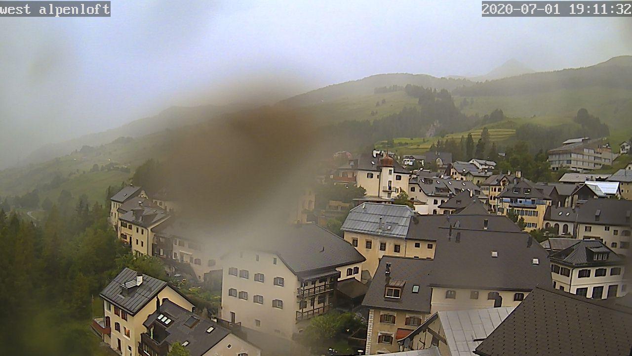Sins (Sent) › West: Alpenloft 4-8 Bett-Ferienwohnung oder Studio mit Bad Ab CHF 532.- die Woche