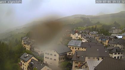 Sins › West: Alpenloft 4-8 Bett-Ferienwohnung oder Studio mit Bad Ab CHF 532.- die Woche
