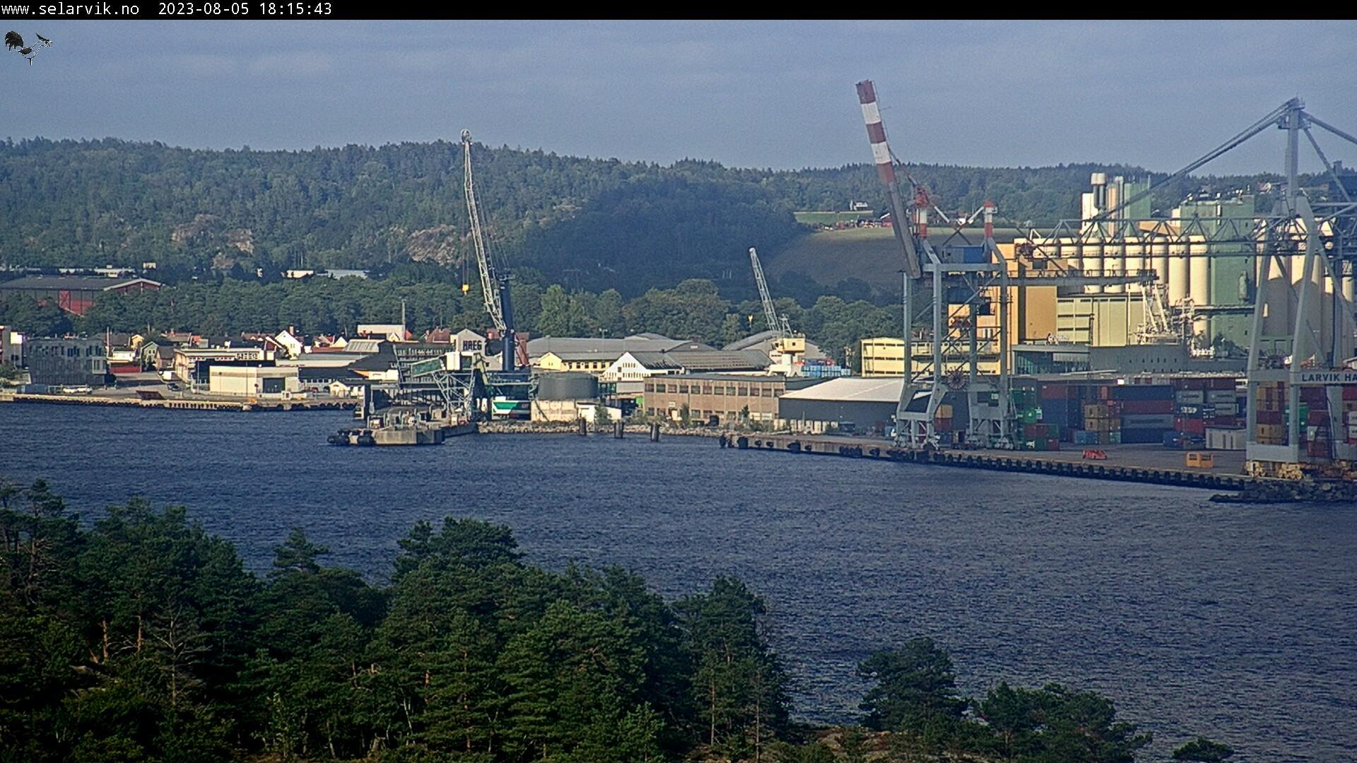 Webkamera Fredenshavn bru: Larvik havn