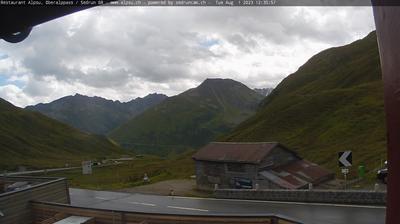 Daylight webcam view from Tujetsch › South East: Oberalppass Pazzola