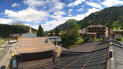 Daylight webcam view from Lech: LechCam − Sport Strolz − am Arlberg