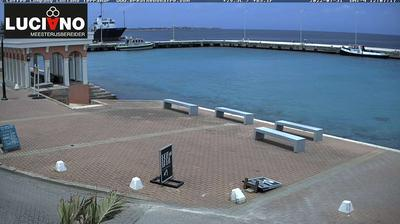 Daylight webcam view from Bonaire Island › South West: Luciano Meesterijsbereirder
