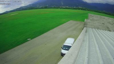 Daylight webcam view from Letališče Ajdovščina: Ajdovščina Airport − Ajdovščina