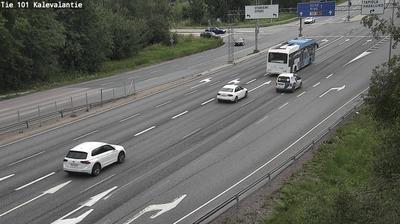 Daylight webcam view from Espoo: Tie 101 Kalevalantie − Länteen