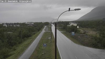 Vista de cámara web de luz diurna desde Enontekiö: Tie21 − Kilpisjarvi − Norjaan2