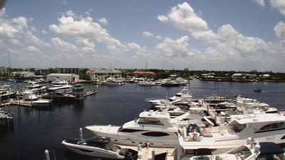 Daylight webcam view from Naples