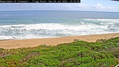 Daylight webcam view from Trigg: Perth − Point − Scarborough Beach (North)