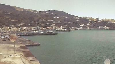 Daylight webcam view from Lipari: Eolnet srl − Porto di − Isole Eolie