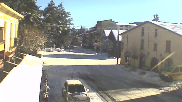 Webkamera Camigliatello Silano: Corso − Lagarò Lupinacci