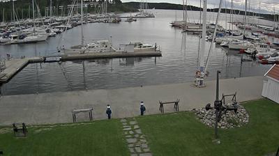 Daylight webcam view from Sandvika: Blommenholm