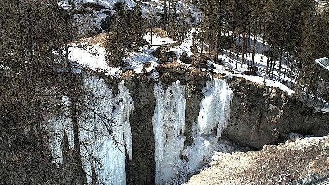 Webcam Pontresina: Engadin St. Moritz − Eiskletter-Schluc