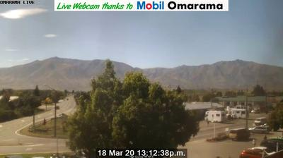 Daylight webcam view from Omarama › North East: Village