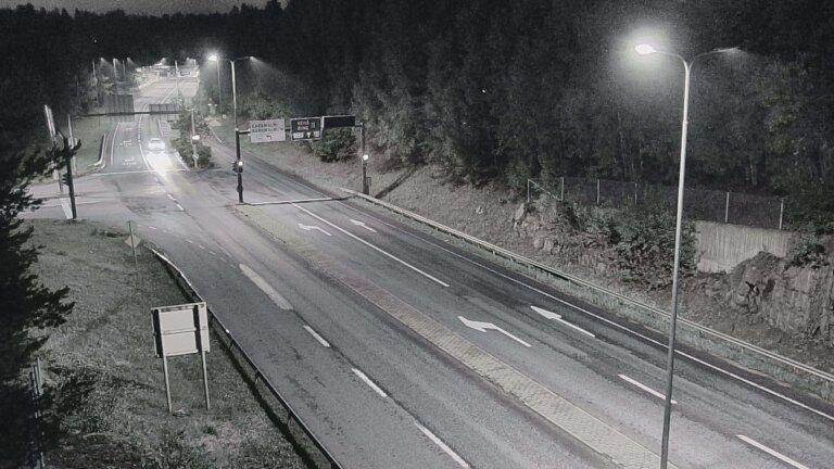 Webkamera Espoo: Tie 102 − Karapellontie − Kehä II