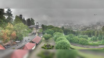 Daylight webcam view from Pöstlingberg: Pöstlingbergschlössl mit Blick über Linz