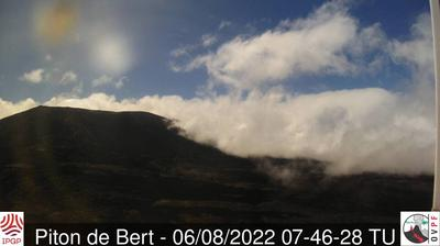 Daylight webcam view from Sainte Rose: Air Aventures