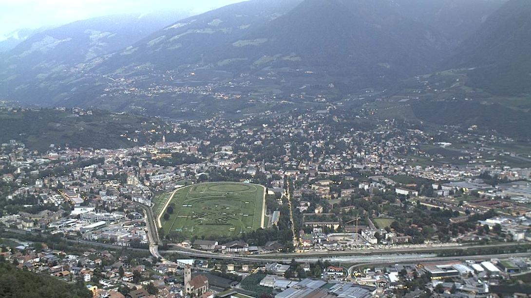 Webcam Marling: Blick auf die Kurstadt Meran