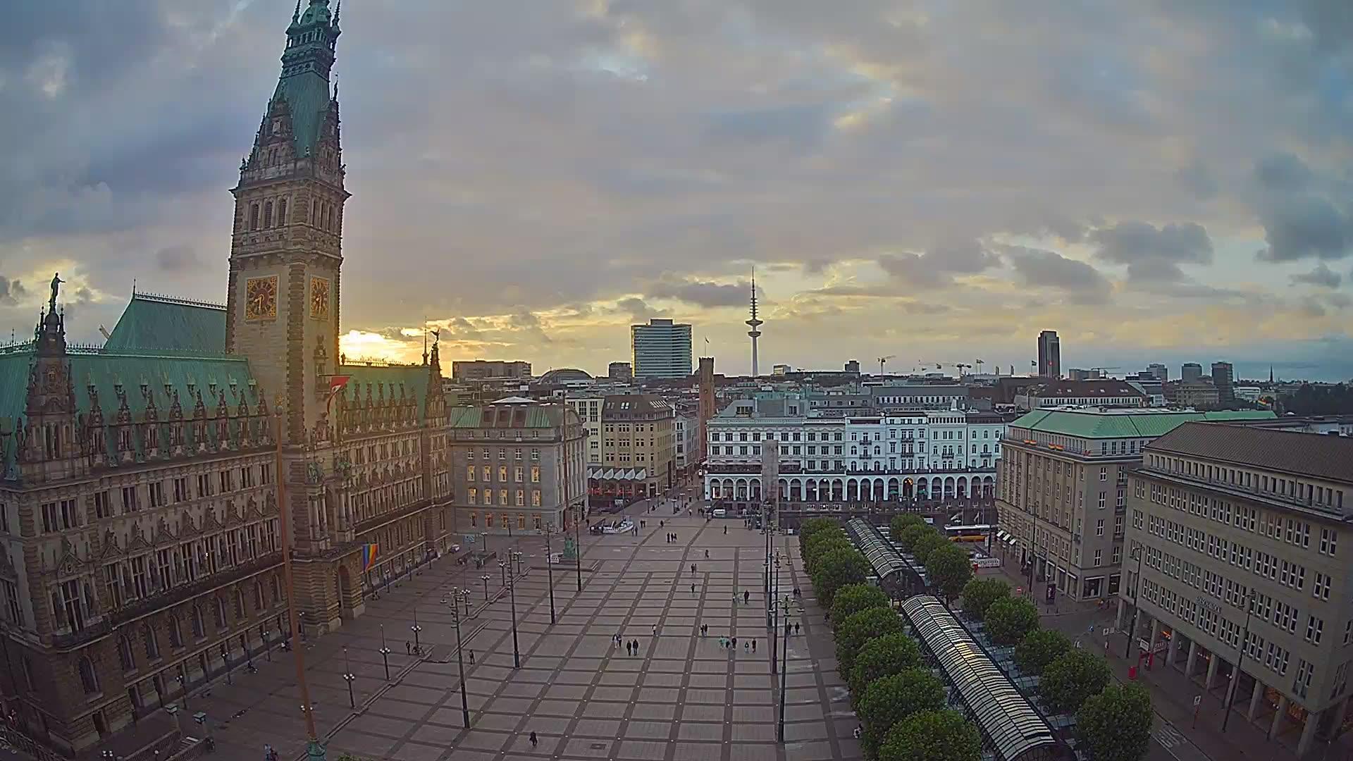 Webcam Hamburg: Town Hall Market
