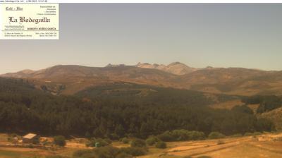 Vista de cámara web de luz diurna desde Hoyos del Espino: Sierra De Gredos